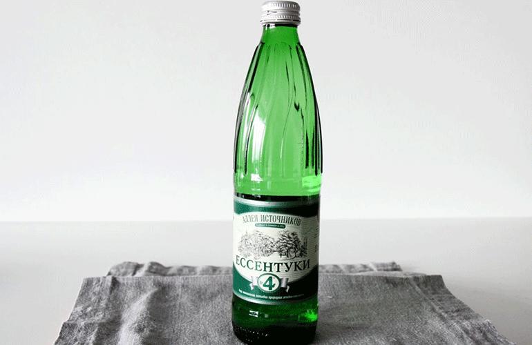 Минеральная вода Ессентуки в бутылке