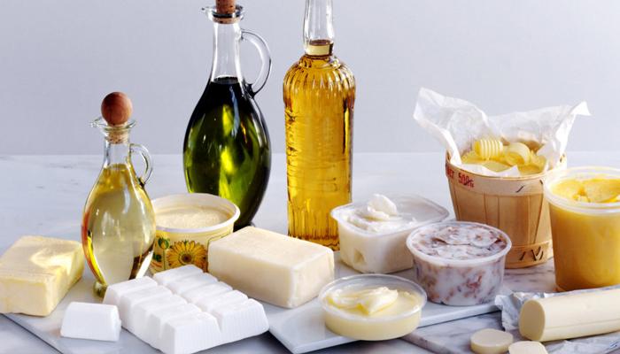 Растительное, оливковое и сливочное масло